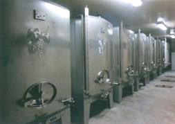 サアディ・マロの醸造タンク